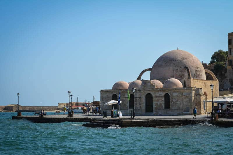 The mosque of Giali Tzamissi is a reminder of the times of Ottoman rule in Crete.