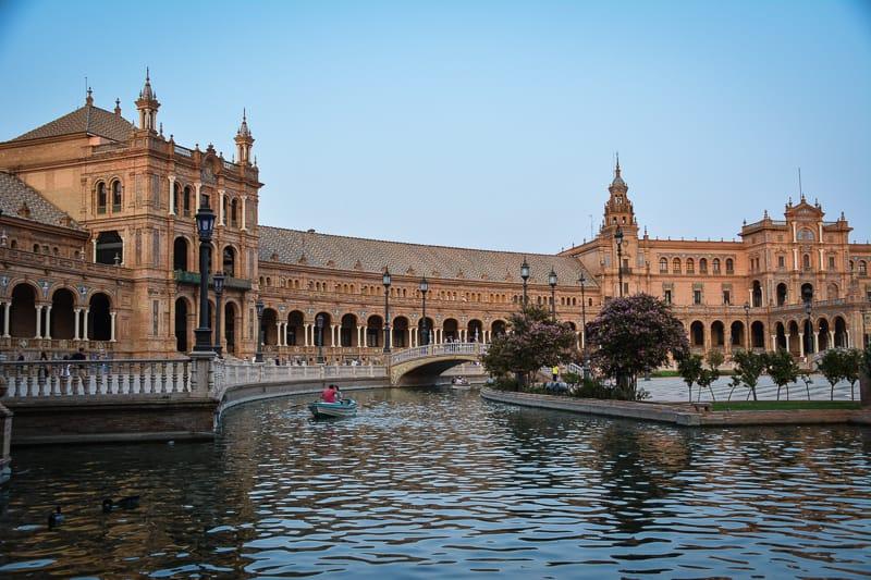 Canals at Plaza de España
