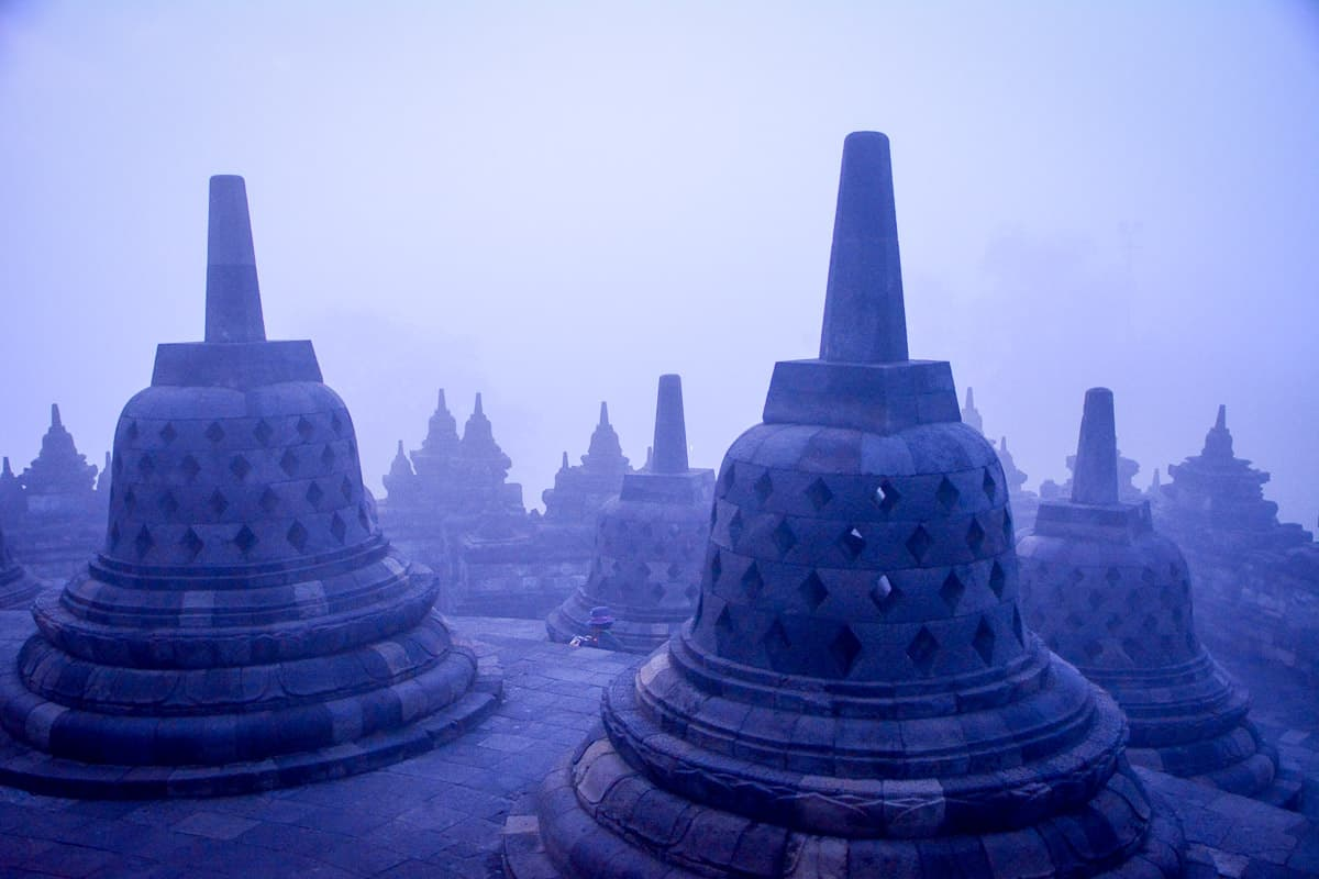 Sunrise at Borobudur is an unforgettable experience, in particular if the temple is shrouded in morning mist.