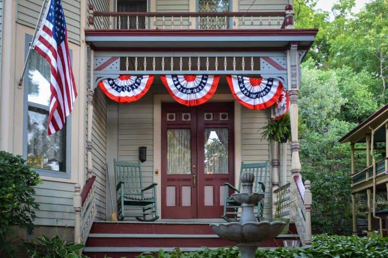 Since we visited just after July 4 most houses in Galena were still decorated in patriotic colours.