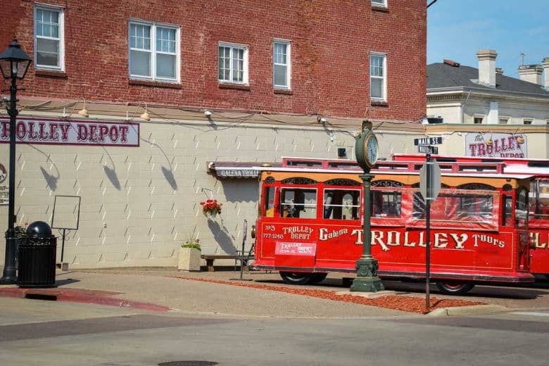 These trolleys take you for a tour of the town when you are in Galena. They look like good fun and must be great when visiting with children.