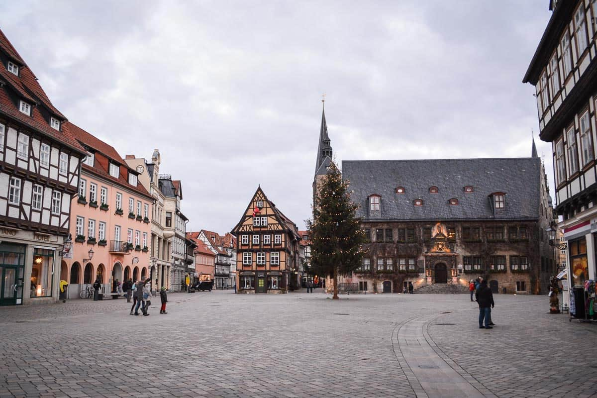The market square is the most recognisable part of Quedlinburg. In the background you can make out the historic town hall.